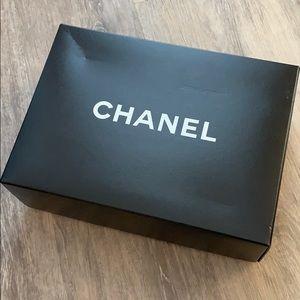 Chanel purse clutch box